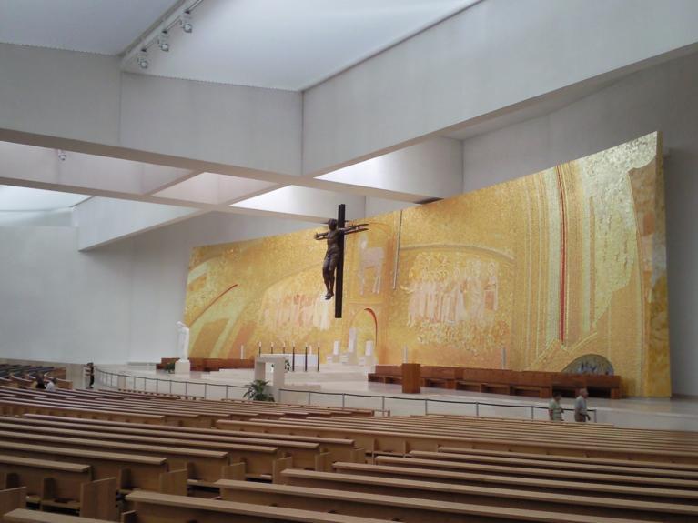 Fatima, celalata biserica, centru de conferinte