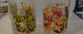 Paharele Shrek si vopseaua lor minunata