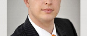 Domnul Iulian Urban si cravata sa Orange