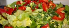 Salata verde cu urme rosii