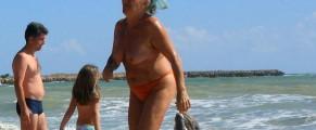 Bunica topless