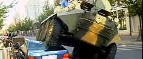 Mercedes parcat ilegal si calcat cu tancul