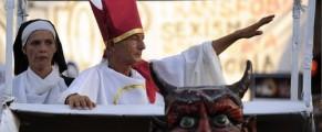 Cum il vad spaniolii pe Papa natzi