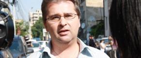 Personajul intervievat si o parte din pleata ziarizdei de TVR