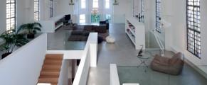 Biserica transformată în locuință de lux