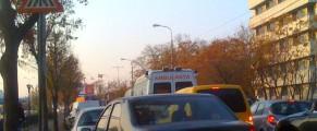 Ambulanța pe malul Dâmboviței