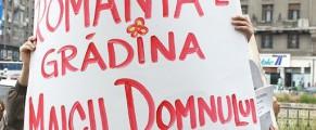 România - poza e de aici: http://gabriellajoy.wordpress.com