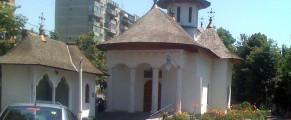 Una dintre bisericile din curtea Spitalului Obregia