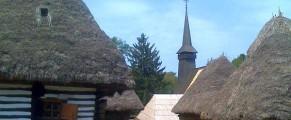 La Muzeul satului