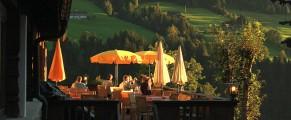 O după amiază la o terasă din Alpbach
