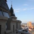 din vârful turnului