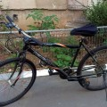 Caut un băiat bun ca să-i dau o bicicletă gratis