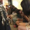 (II) Prostituatele, distracție și sursă de venit pentru polițiști