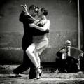 La tango să nu te duci cu sacul