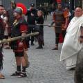 Prezență inedită a lui Budha la răstignirea lui Iisus la București