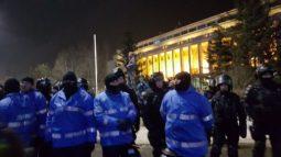 protest-jandarmi